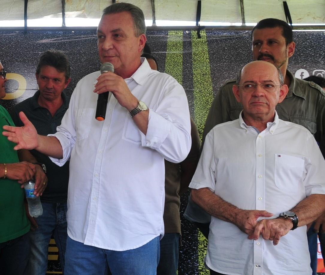 Blog do Neto Weba: Em Ribamar, prefeito contrata empresa de filhos ...
